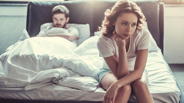 彼氏がいるのに他の男性に目移りした、自分を抑える対処法3パターン