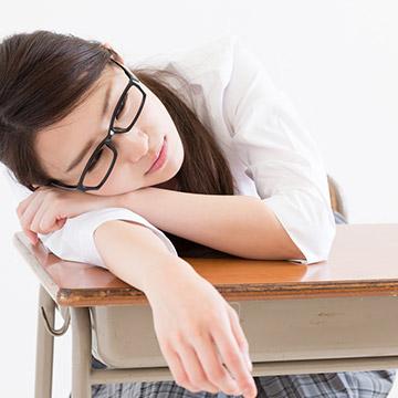 学校の授業あるある!先生によって寝れる授業と寝れない授業編。