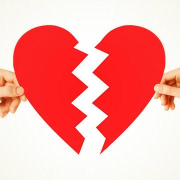 みんなが体験しているようで、体験したくないのが「失恋」。。。