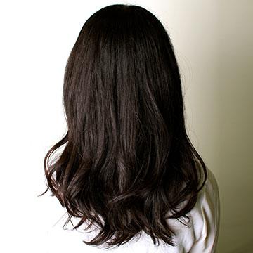 寝るときの髪はどうしてる?ダメージを抑えるベストなケア方法