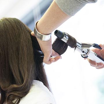 ヘアアイロン&コテ徹底分析!!コテの太さや温度で変わる巻き髪一覧