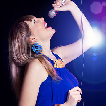 カラオケで歌う前に効果のあるストレッチ