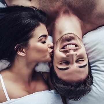 キスで風邪がうつるって本当?熱っぽく感じたら注意が必要かも|健康美人