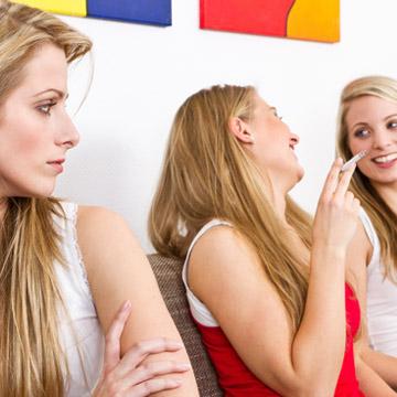 今スルーされた……?話がスルーされてしまう人の会話 2つの傾向