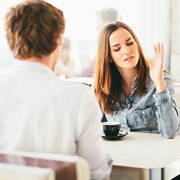 モテない女性が無意識にやっちゃってる失礼な態度3パターン