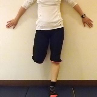 美脚メイキングプログラム!1週間で美脚を作る方法「太ももを細くしなやかに!セルフマッサージ」