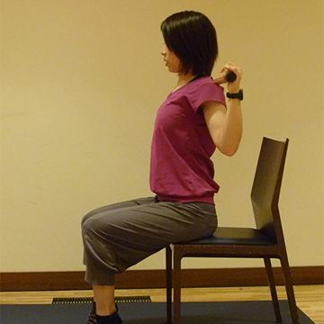 2週間でくびれを作る方法/ウエストエクササイズ�F座って脇腹エクササイズ