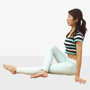 テレビを見ながら美人になれる「テレ美人体操」座ってウエストねじり引き上げくびれ美人