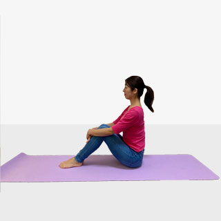 もっと簡単に!体幹バランスエクササイズ�@エア体育座りバランスエクサ
