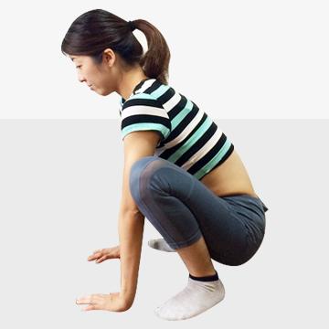 脚を長く見せるために鍛えるべき筋肉「�@脚裏エクササイズ」