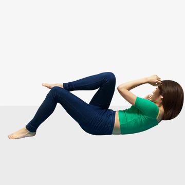 モデルが実践している今話題のエクササイズ3選「�B腹筋トレーニング」