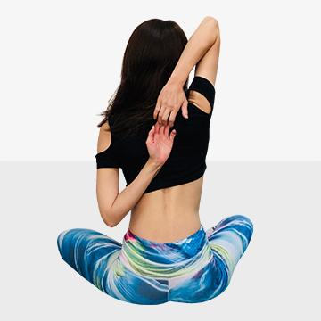 寒さで固まった体は太りやすい!心も体もじんわりほぐす冬ストレッチ「�C肩・肩甲骨ほぐし」|健康美人
